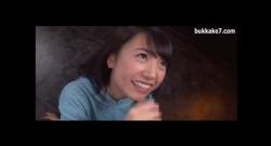 สาวสวยญี่ปุ่นมาอมควยแล้วชักว่าวให้โคตรเงี่ยนเลย